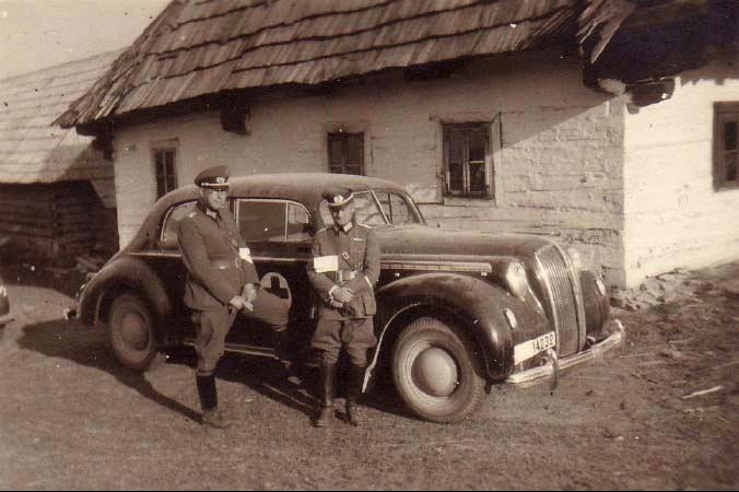 automobile en uniforme - Page 2 Opel_a11