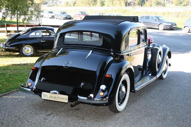Les Mercedes des années 30/40 Thodfq10