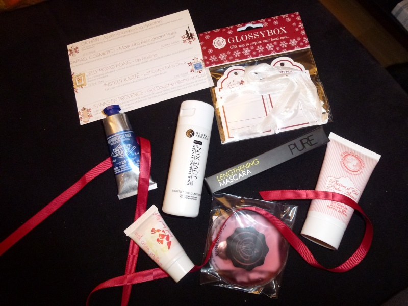"[Novembre 2012] Glossybox ""Wish List""  P1070210"