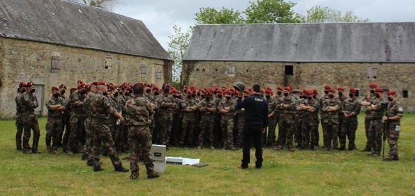 Durant cinq jours, des paras français à la découverte des sites du Débarquement  Paras_10