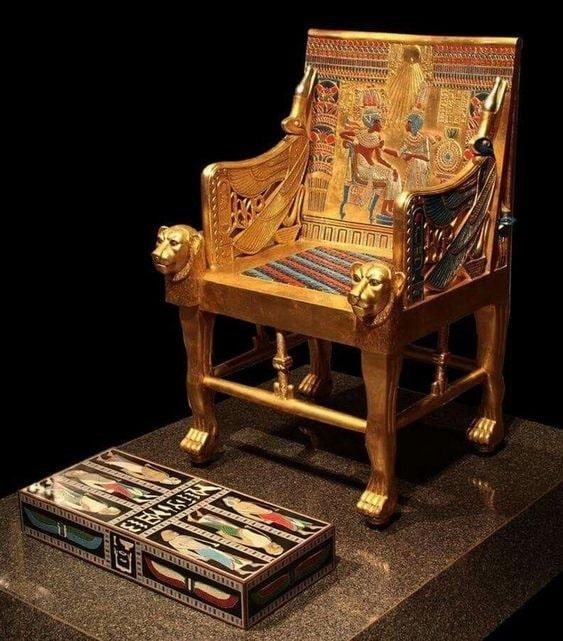 Trono de Tutankamón<br />