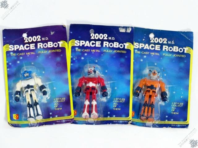 cerco pugni bracciali.. space robot 2002 nemici jeeg ect S-l16010
