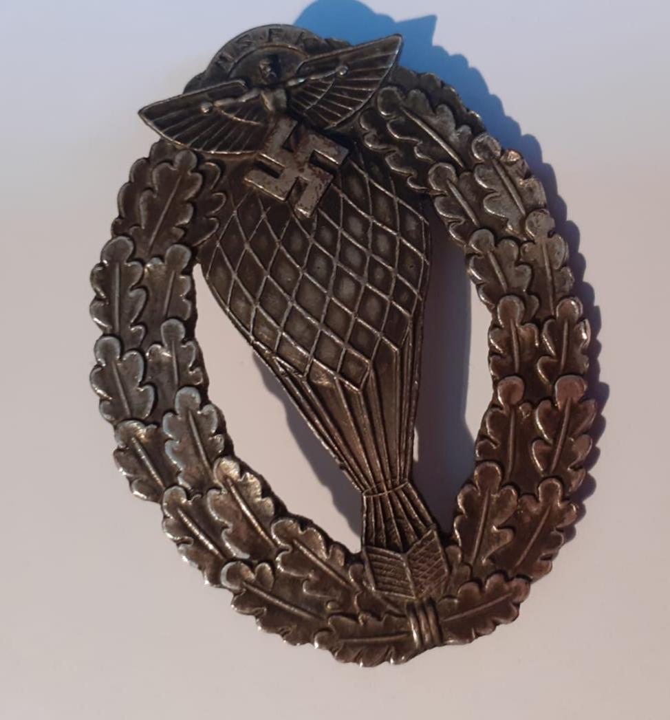 Insignes et médaille allemande W2 20200574