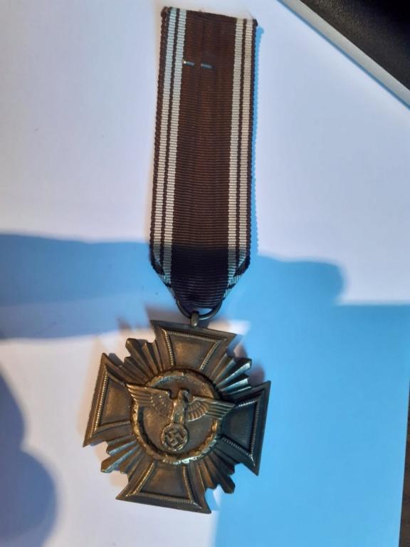Insignes et médaille allemande W2 Img-2103