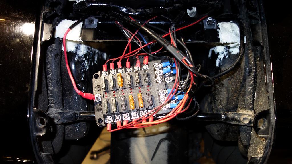 La GL Orangina: audio / full LEDs / angel eyes / feux trottoir / pare-brise électrique / TMPS / voltmètre... 11416