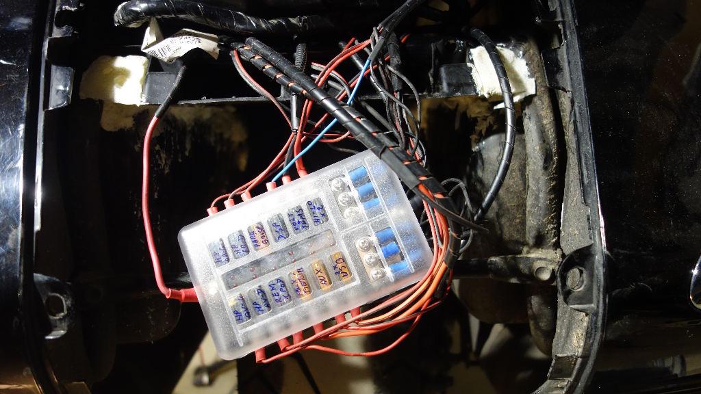 La GL Orangina: audio / full LEDs / angel eyes / feux trottoir / pare-brise électrique / TMPS / voltmètre... 11616