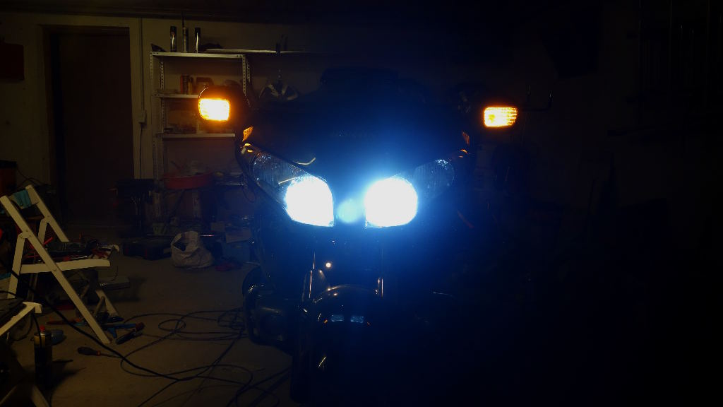 La GL Orangina: audio / full LEDs / angel eyes / feux trottoir / pare-brise électrique / TMPS / voltmètre... 13011
