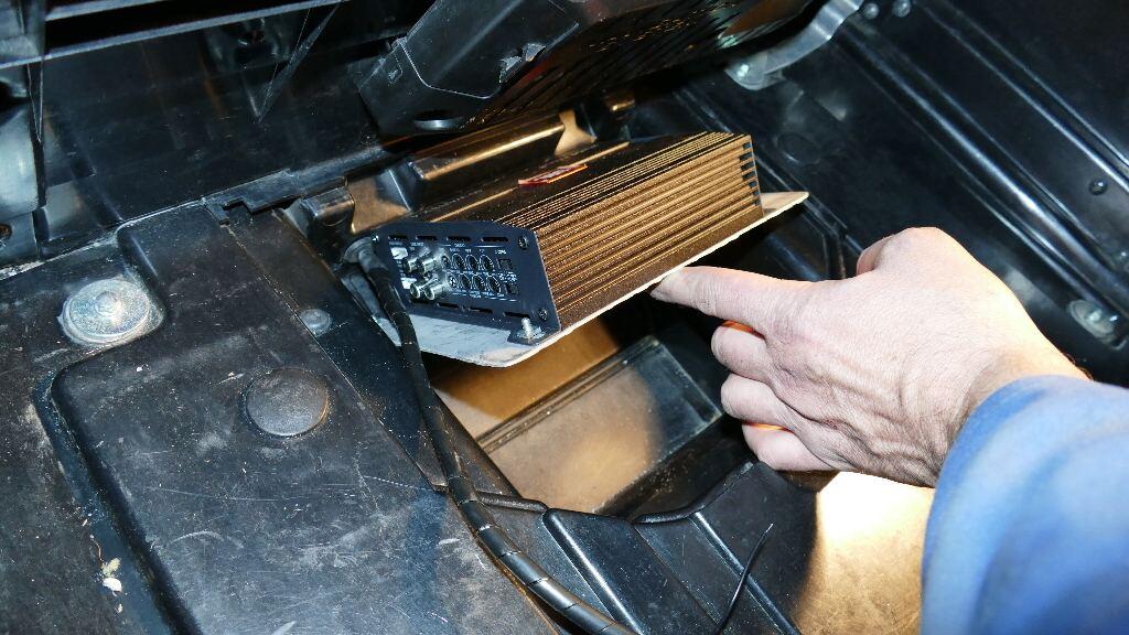 Dossier : technique audio appliquée à l'amélioration audio de nos Gold… - Page 2 P1010511
