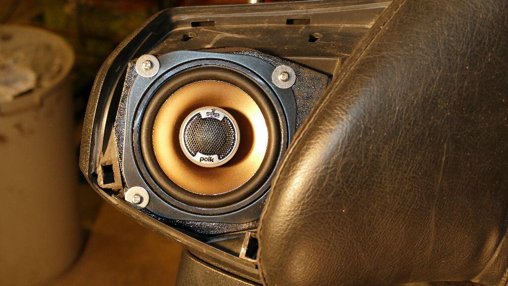 Dossier : technique audio appliquée à l'amélioration audio de nos Gold… - Page 2 P1010514