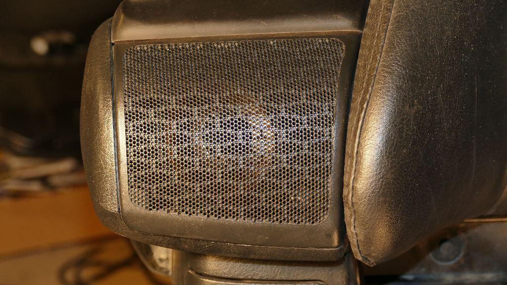 Dossier : technique audio appliquée à l'amélioration audio de nos Gold… - Page 2 P1010516