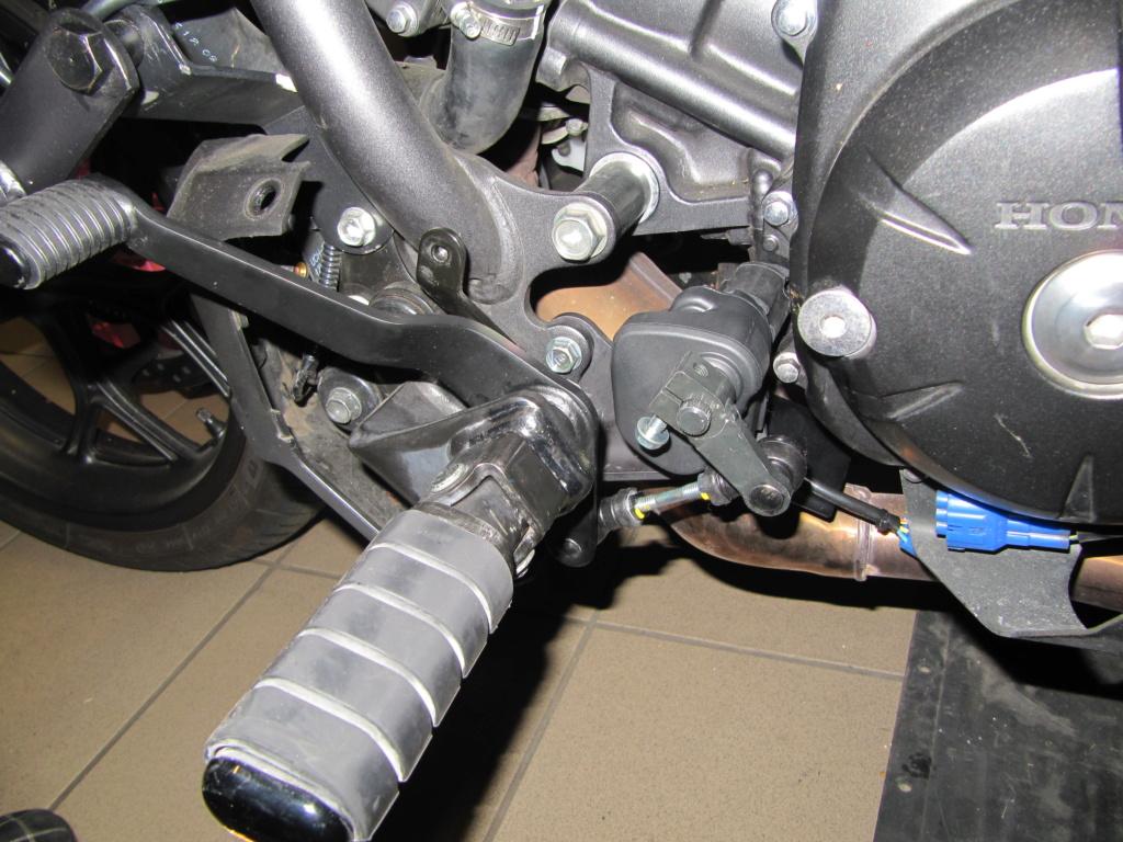 CTX 700: levier de vitesse au pied pour le DCT Img_0824