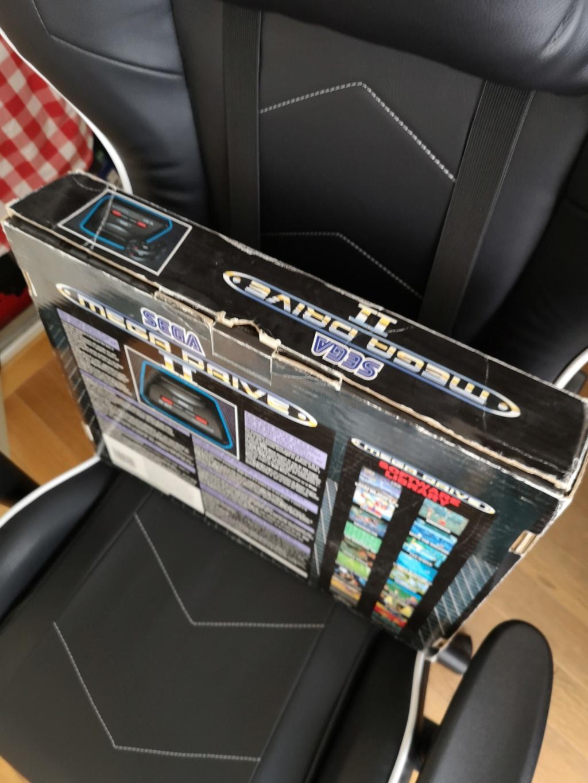 [VDS] Megadrive 2 Complète en boite + 4 manettes : 75€ VENDUE ! Img_2026