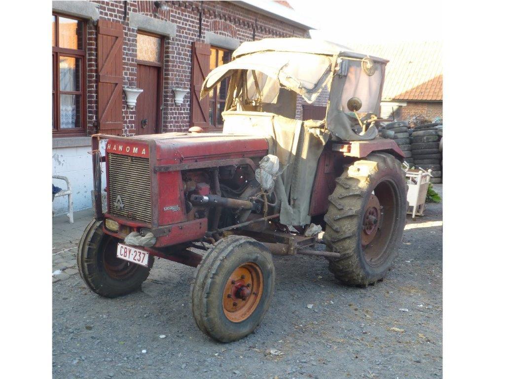 350 photos de vieux tracteurs - Page 2 Tracte10