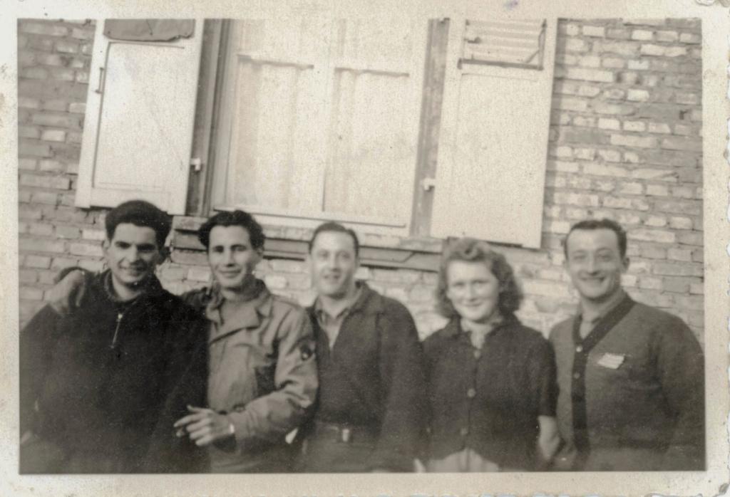 Les reconnaissez-vous ? 12 cuir 1er escadron à DIEUZE 1944_116