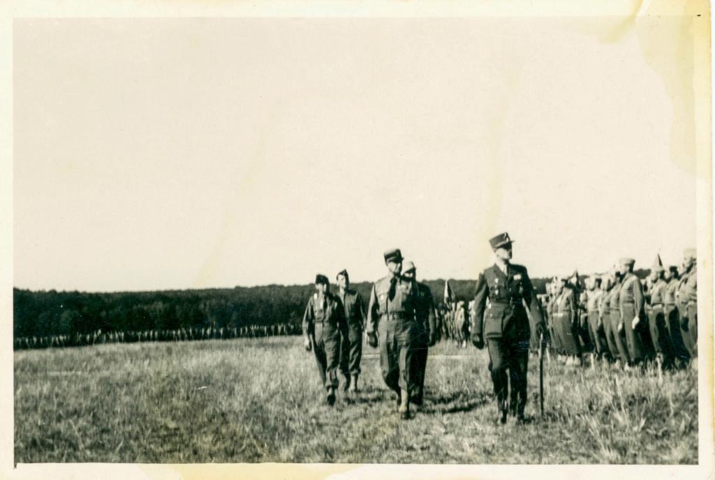 Fontainebleau 22 juin 1945 ? 1945_038