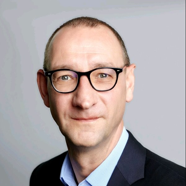 Erwin Meyer Director Dell Technologies Singapore Erwin has held various management positions in The Netherlands, Hong Kong and Singapore Erwin_10