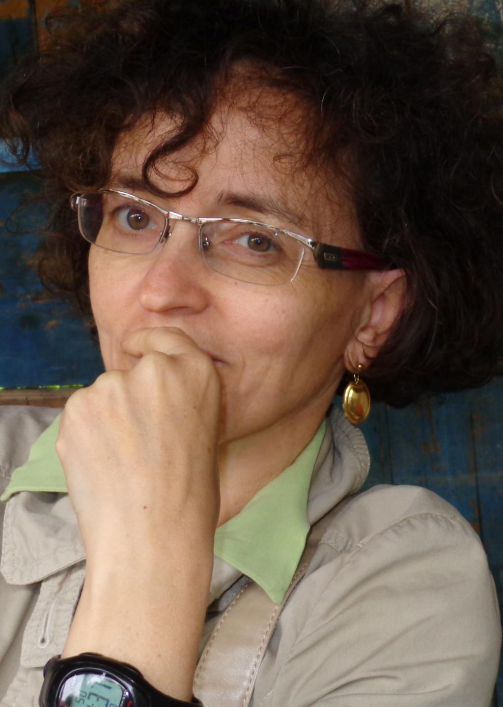 Ms. Davidia Zucchelli Senior Analyst International Research  Network Intesa Sanpaolo Research Dpt, Milan Ms_dav10