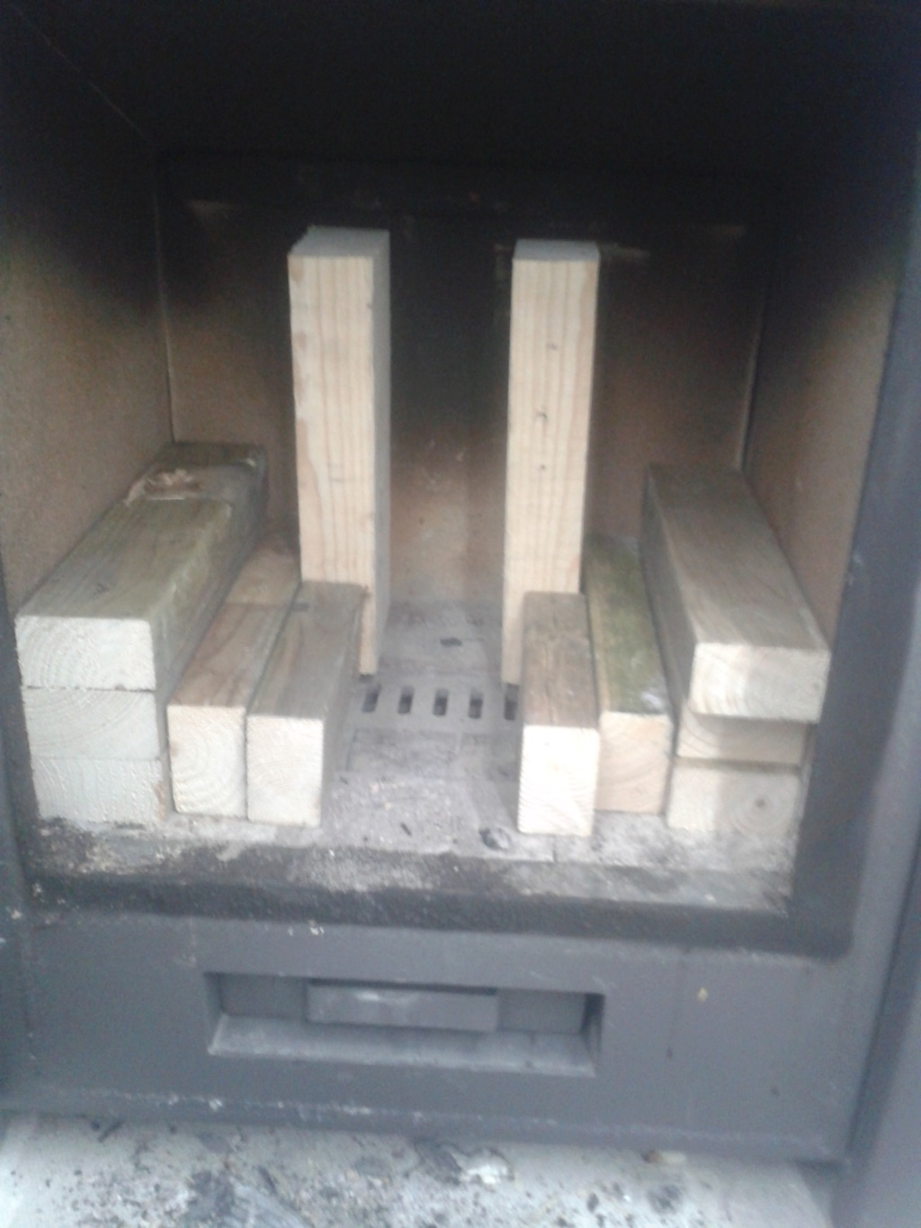 new wood stove rocket stove built inside of it  20181113