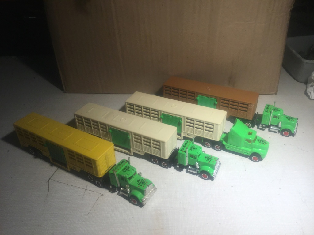 N°614 Kenworth + Semi Transport d'animaux   1f6aed10