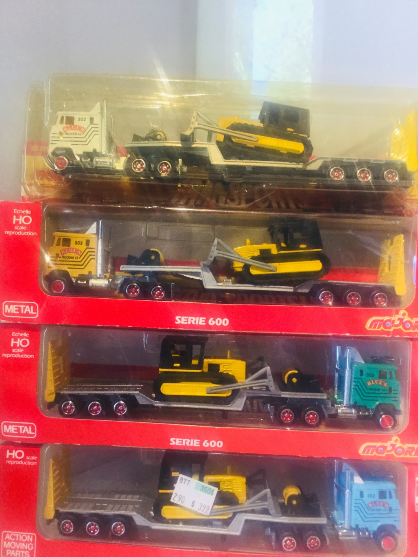 N°616 FORD surbaissé +transport buldozer 4acc0610