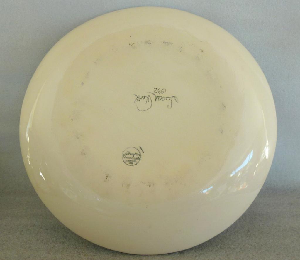 catherine anselmi large shallow bowl susan firth 1992 P1030010