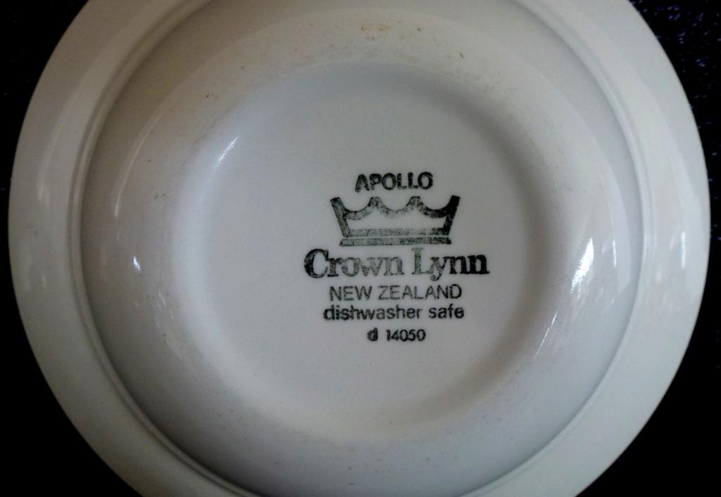Apollo Crown Lynn Tableware P1040714
