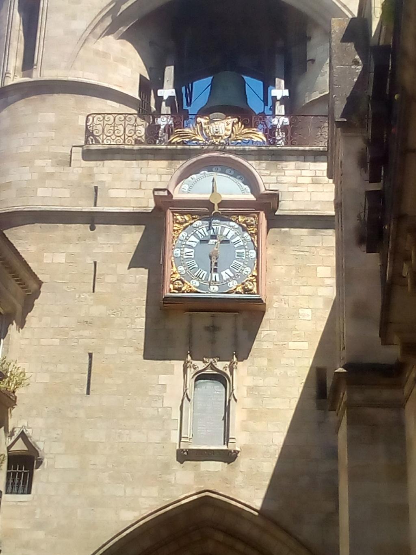 Wristshot de vos belles devant des monuments emblématiques - Page 44 Img_2011