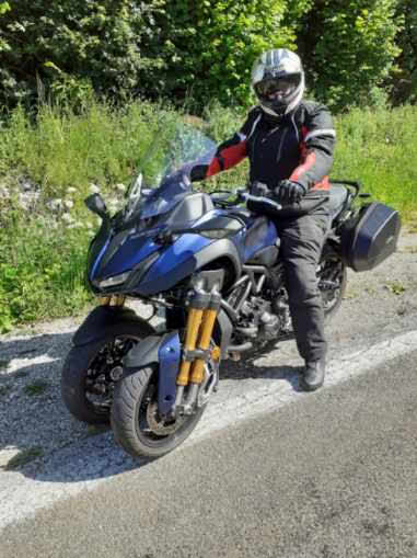Yamaha Niken Resize10