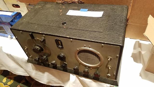 Radio... (non identifié) & TSF - Page 4 11393310