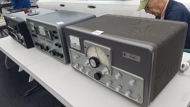 Radio... (non identifié) & TSF - Page 4 23255410
