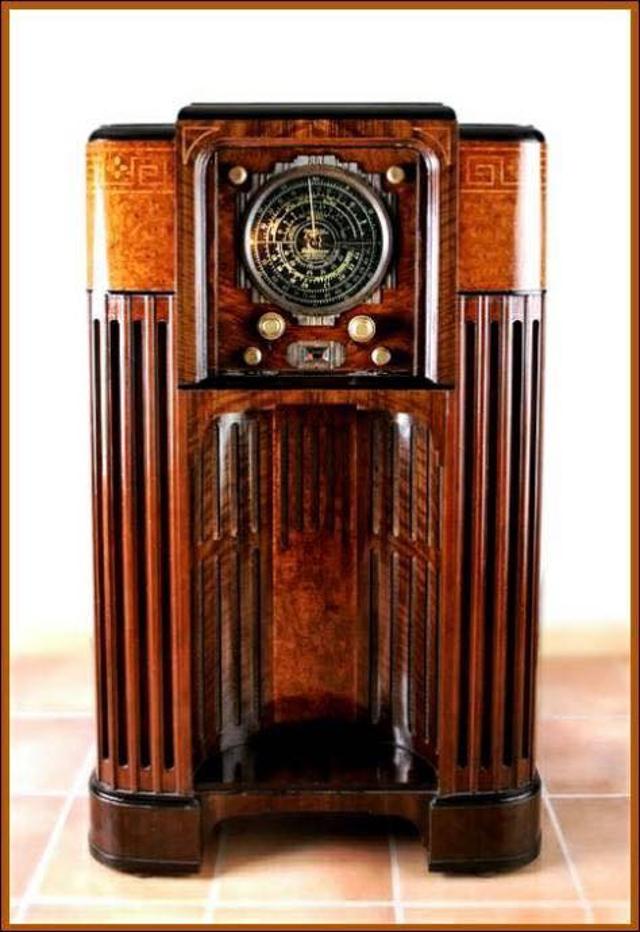 Radio... (non identifié) & TSF - Page 12 26458710