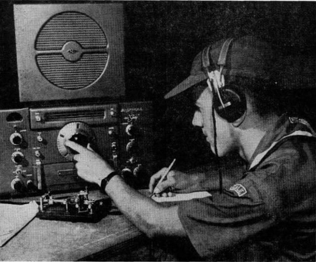 Radio... (non identifié) & TSF - Page 8 42614610