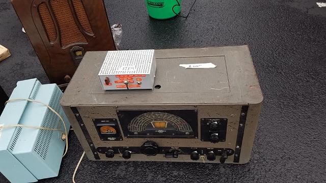 Radio... (non identifié) & TSF - Page 4 44575410