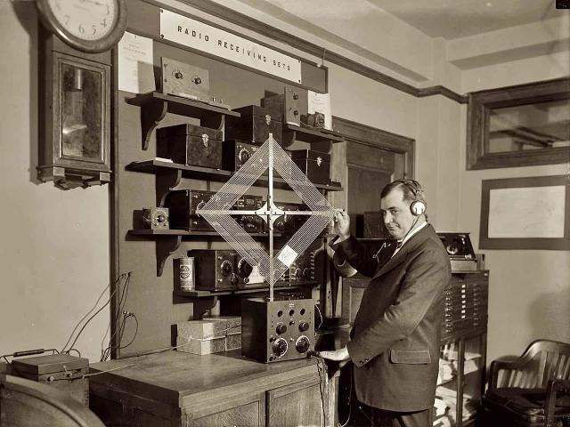 Radio... (non identifié) & TSF - Page 9 46100610