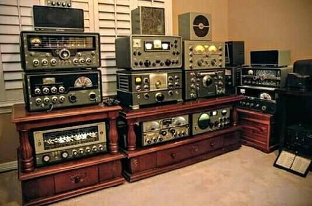 Radio... (non identifié) & TSF - Page 9 46485511