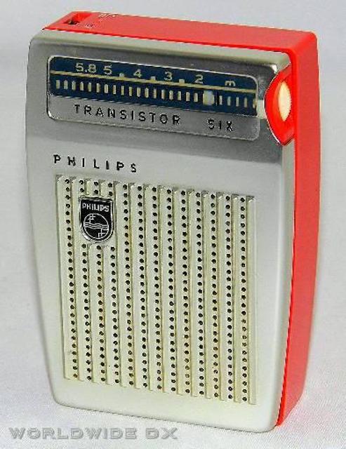 Radio... (non identifié) & TSF - Page 11 47476910