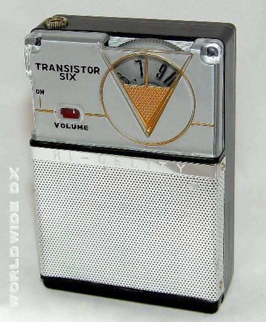Radio... (non identifié) & TSF - Page 11 48389410