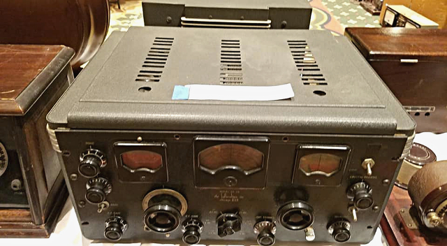 Radio... (non identifié) & TSF - Page 4 51077510