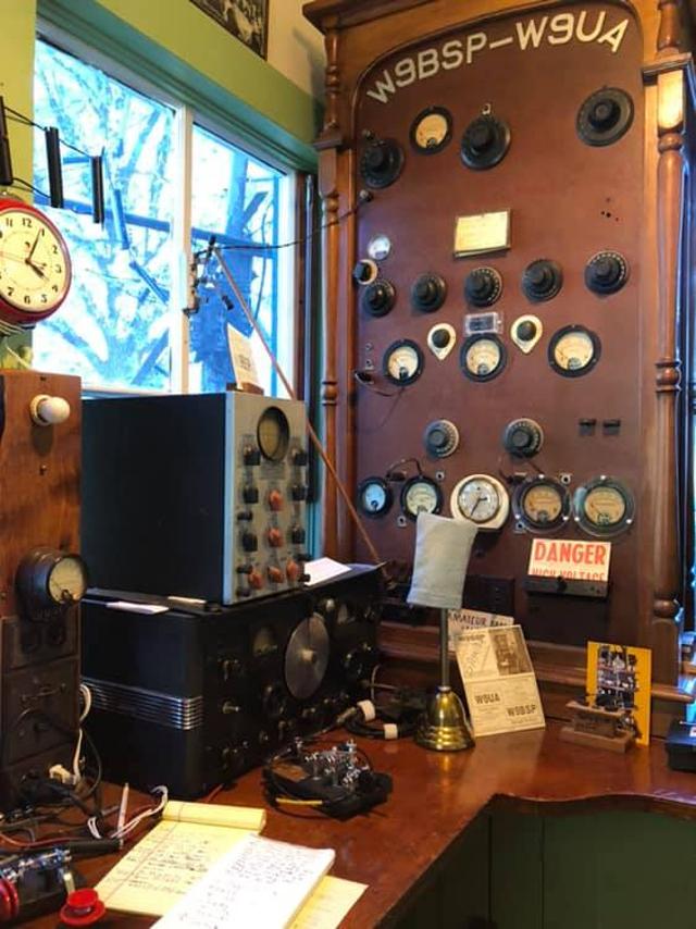 Radio... (non identifié) & TSF - Page 11 57366510