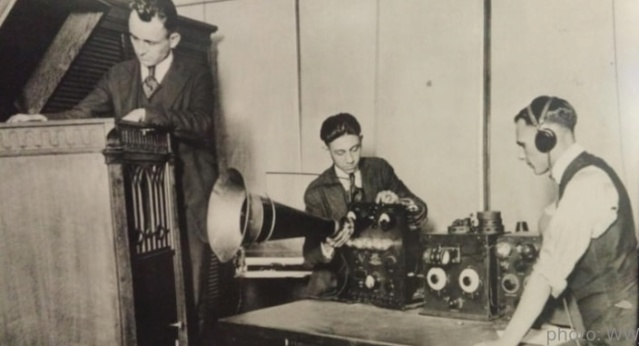 Radio... (non identifié) & TSF - Page 11 Z_901510