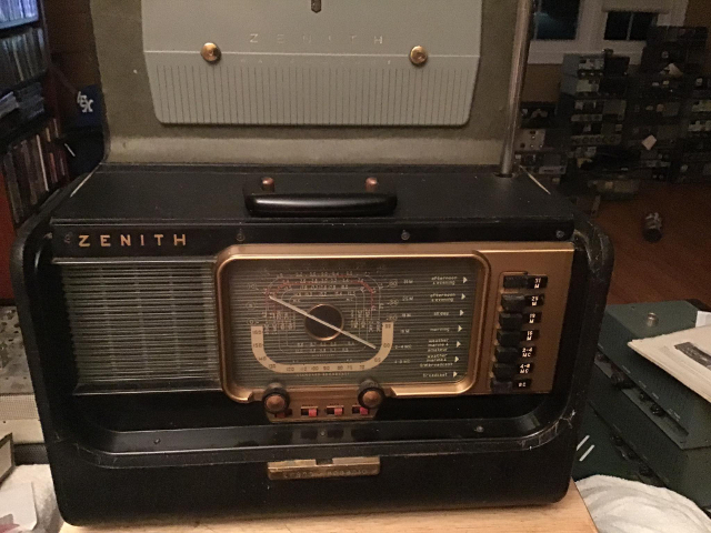 Radio... (non identifié) & TSF - Page 12 Zenith10