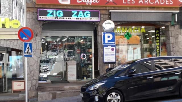 Tag electronique sur La Planète Cibi Francophone Zig_za11