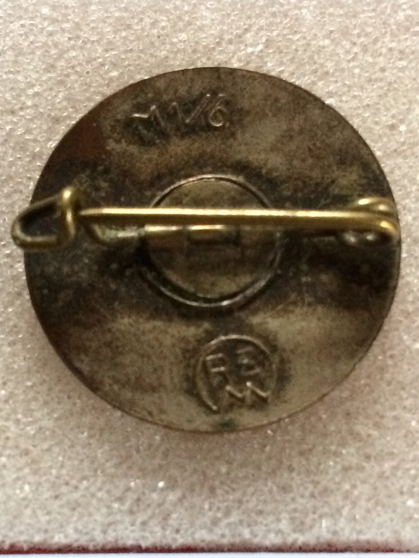 Badges du NSDAP - Page 2 00413