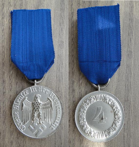 Médaille 4 ans dans la Wehrmacht 45594510