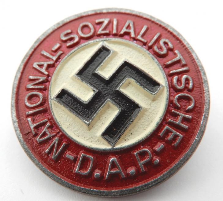 Badge NSDAP modèle peint 5610710