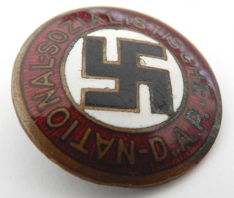 Badge NSDAP 5610810