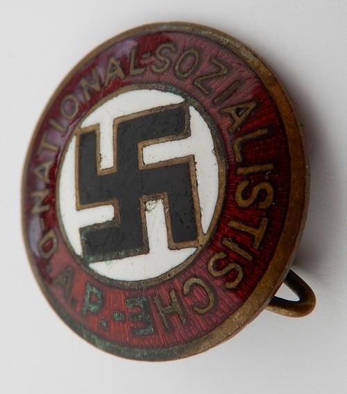 Badge NSDAP 56108a10