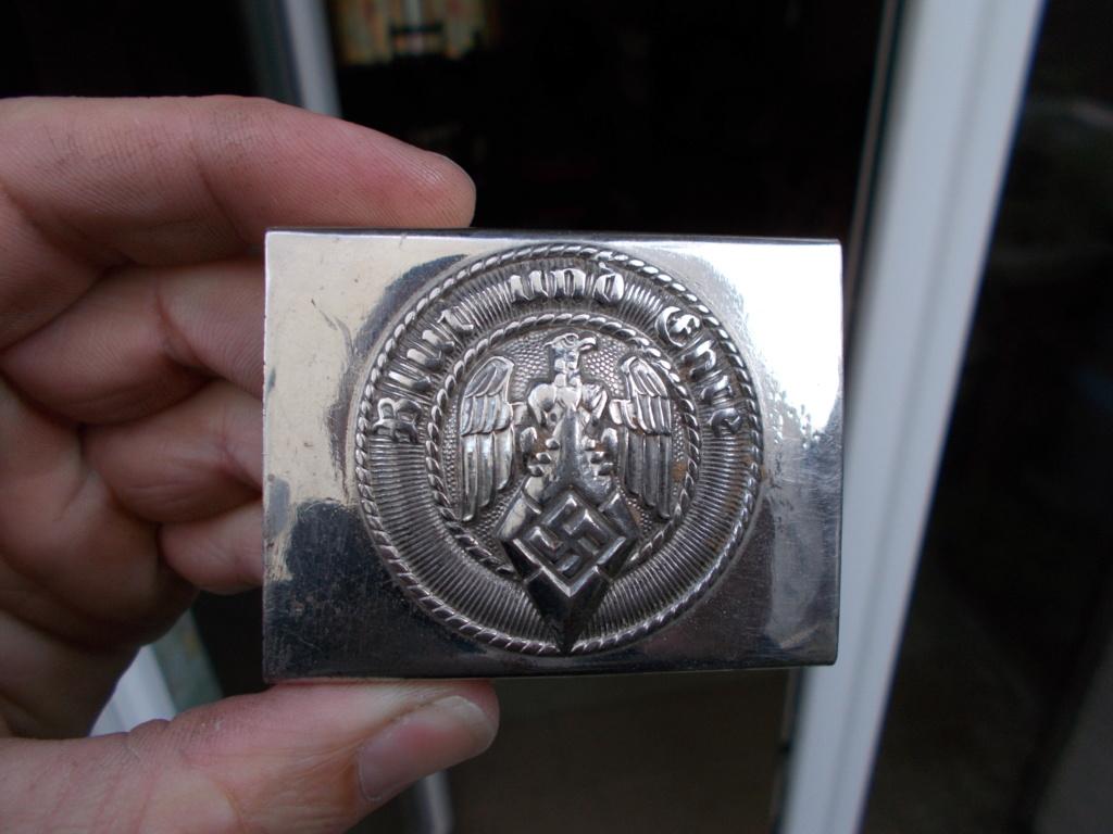 Médailles Allemandes , Insignes Allemands , Boucle HJ , Brassard SA  Dscn0810