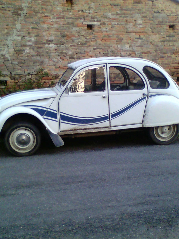 Vieille voiture Img14410