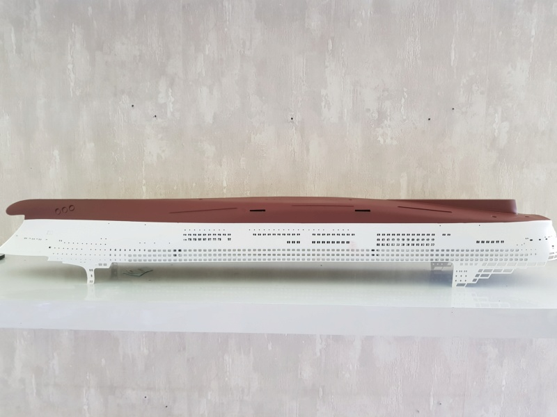 Queen Mary 2 mit LED-Beleuchtung / Revell, 1:400 20200754